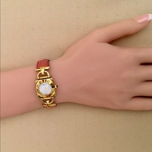 Authentic Vintage Gucci Pink Women Watch
